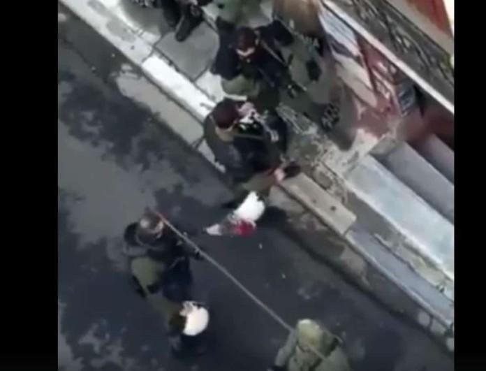Επέτειος Γρηγορόπουλου: Σάλος με κίνηση αστυνομικού - Κατέστρεψε λουλούδια που προορίζονταν για κατάθεση