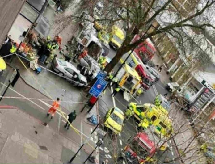 Λονδίνο: Αυτοκίνητο έπεσε πάνω σε πεζούς