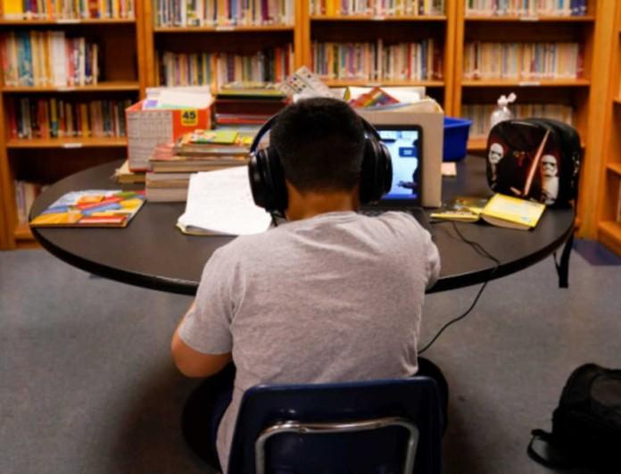 Φρίκη στην Καλιφόρνια: Μαθητής πυροβόλησε τον εαυτό του την ώρα της τηλεκπαίδευσης