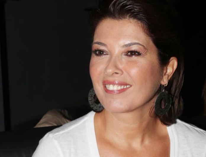Στην Πάρο η Σοφία Αλιμπέρτη με total white look - «Στηρίζω τους ανθρώπους που αγαπώ»