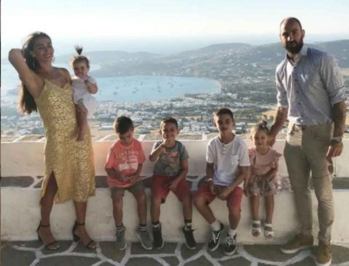 Ολυμπία Χοψονίδου - Βασίλης Σπανούλης: Σύσσωμη η οικογένεια εύχεται για το νέο έτος