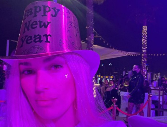 Και η Βικτώρια Καρύδα κάνει διακοπές στο Ντουμπάι