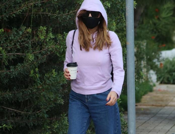 Δέσποινα Βανδή: Βόλτα στην Γλυφάδα - Βρήκαμε το τζιν παντελόνι της μόνο με 15.59 ευρώ