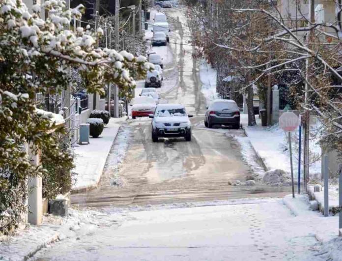 Καιρός: Βροχές και χιόνια στη χώρα - Νέα επιδείνωση από το βράδυ