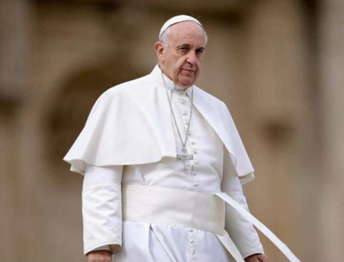 Κορωνοϊός: Έχασε την μάχη ο προσωπικός γιατρός του Πάπα Φραγκίσκου