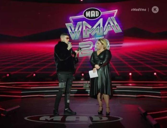 Snik: Συγκινημένος με το βραβείο του στα VMA - Η τρυφερή ατάκα του για την Ηλιάνα Παπαγεωργίου