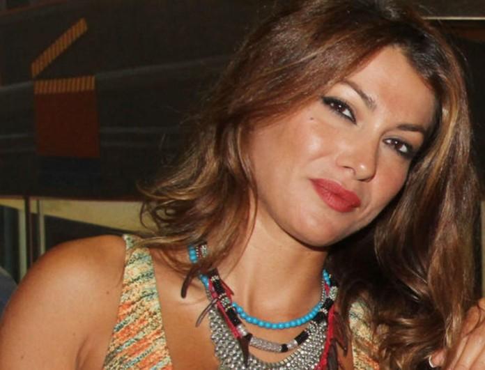 Κλέλια Ρένεση: Δείχνει για πρώτη φορά το πρόσωπο της κόρης της