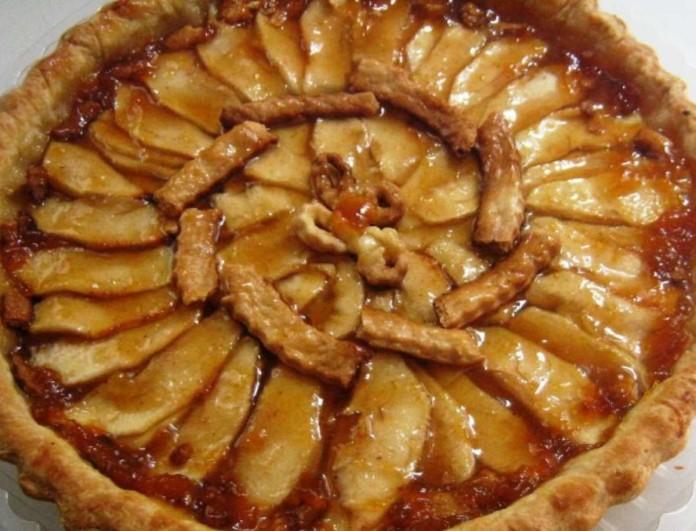Ανοιχτή μηλόπιτα, τραγανή και ζουμερή