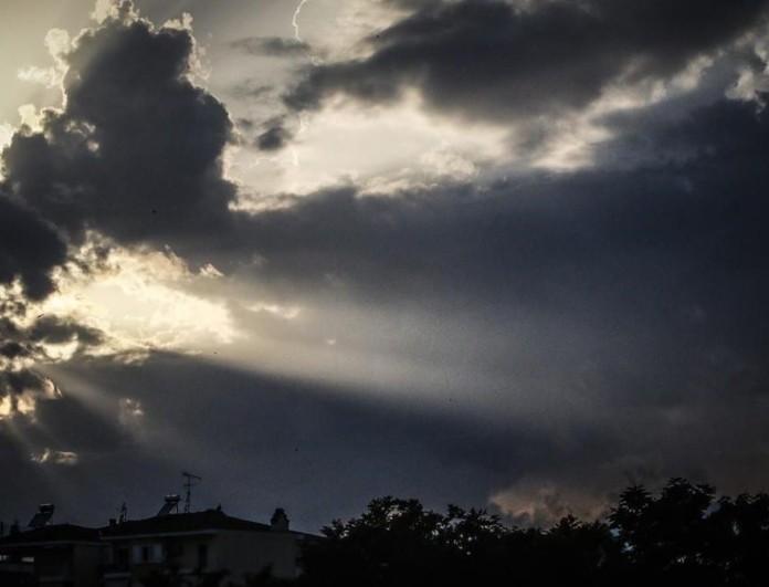 Καιρός (13/3): Με συννεφιά το Σάββατο - Ανεβαίνει η θερμοκρασία