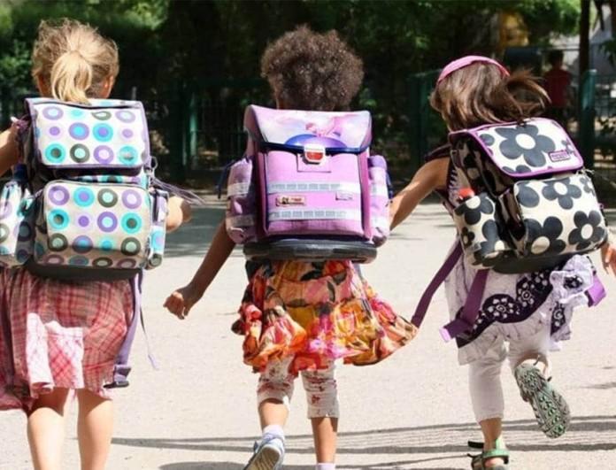 Κορωνοϊός: Ανοίγουν σχολεία και διαδημοτικές μετακινήσεις από τις 5 Απριλίου