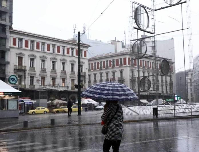 Καιρός 30/3: Επιστρέφει ο χειμώνας με κρύο και βροχές