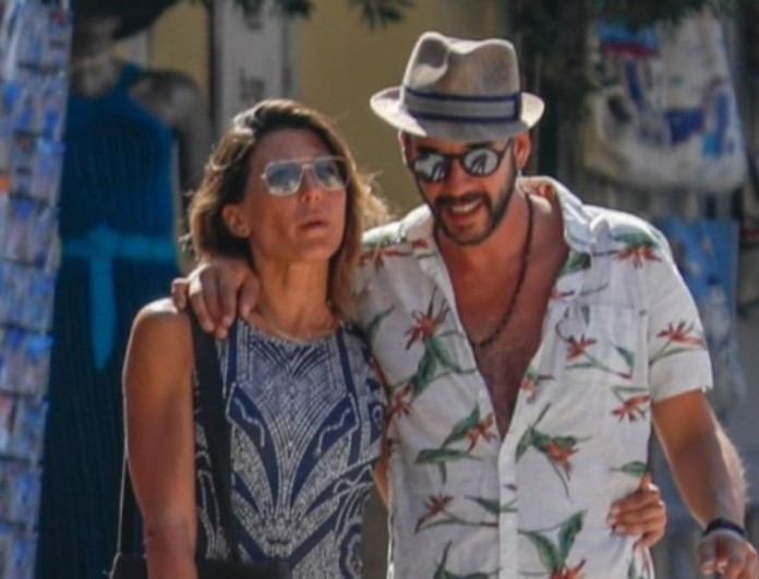 Πάνος Μουζουράκης: Στην Ισπανία με την σύντροφο του, Τζίνα Βαρελά