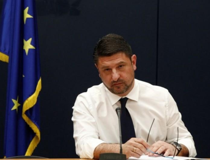 Lockdown: «Κλείδωσαν» τα νέα μέτρα - Θα τα ανακοινώσει το απόγευμα ο Νίκος Χαρδαλιάς