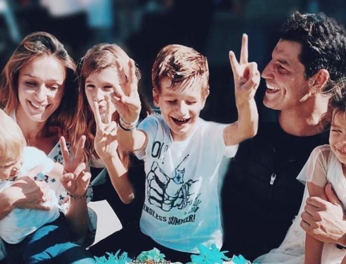 Σάκης Ρουβάς: Ανέβασε φωτογραφία με την Κάτια και τις κόρες του με αφορμή τη μέρα της γυναίκας