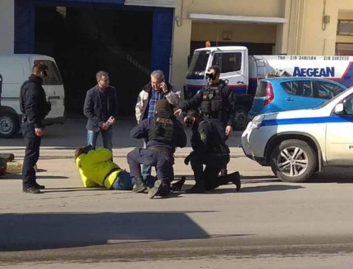 Σοβαρό τροχαίο στη Λιοσίων με τραυματίες μετά από καταδίωξη