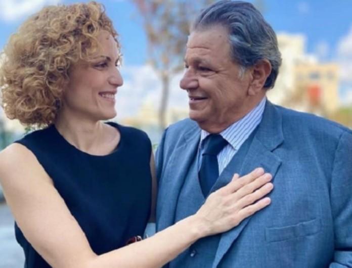 8 Λέξεις: Ο Άκης κάνει πρόταση γάμου στην Αποστολία