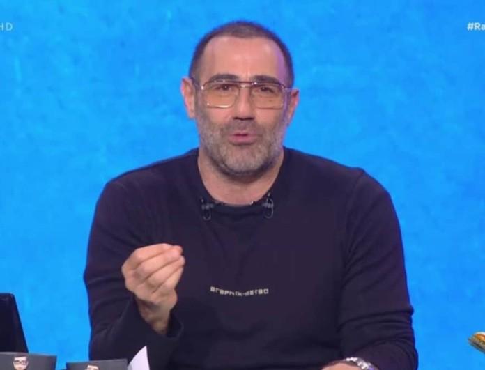 Ράδιο Αρβύλα: Ο Αντώνης Κανάκης για τα κρούσματα στην εκπομπή - «Γίνεται χαμός, έχουμε αποδεκατιστεί»