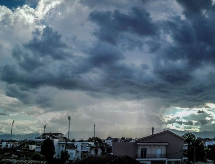 Χαλάει ο καιρός σήμερα 13/4 - Τοπικές βροχές και οι καταιγίδες