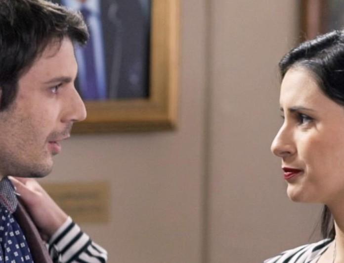 Το Καφέ της Χαράς (22/4): Ο Μάνος φιλάει παθιασμένα τη Βάλια πριν τον γάμο της