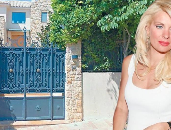 Η Ελένη Μενεγάκη πουλάει την έπαυλή της στα Μελίσσια