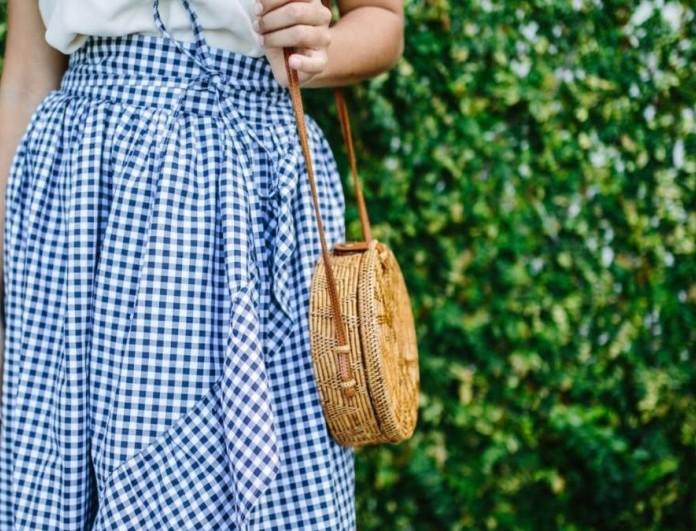 Ψάθινη τσάντα & φούστα με βολάν