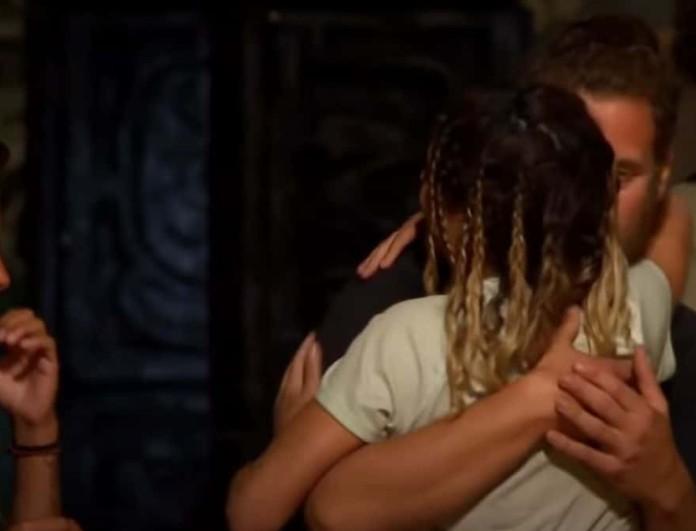 Survivor 4: Τι ψιθύρισε ο Κώστας στο αυτί της Χριστίνας λίγο πριν αποχωρήσει;