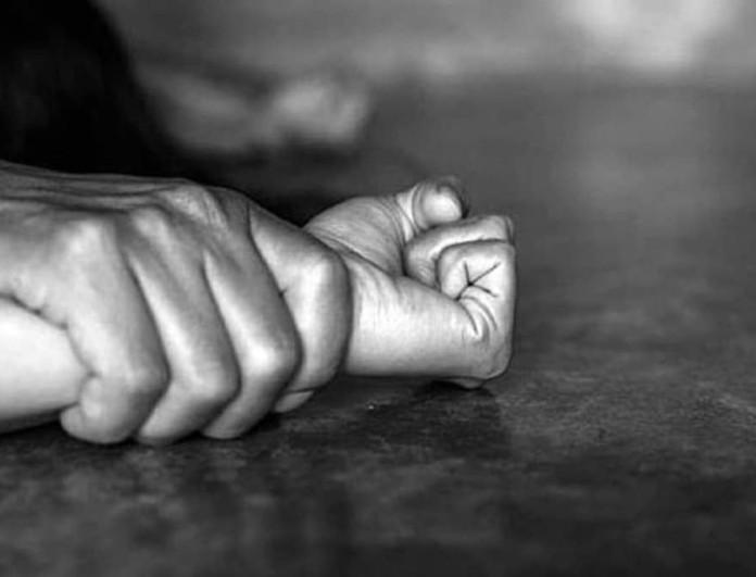 Νέα Σμύρνη: 40χρονος βίασε, κούρεψε και έκλεψε 25χρονη μπροστά σε άλλους τέσσερις