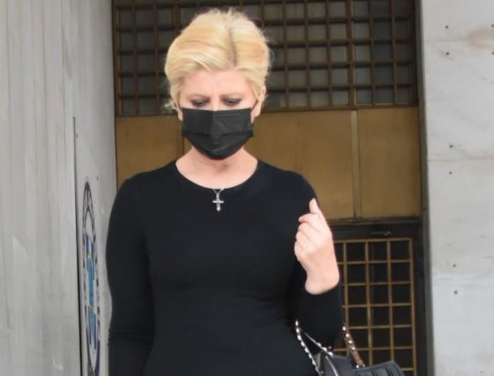 Κατέθεσε στη ΓΑΔΑ για τη δολοφονία του Γιώργου Καραϊβάζ η Ζήνα Κουτσελίνη