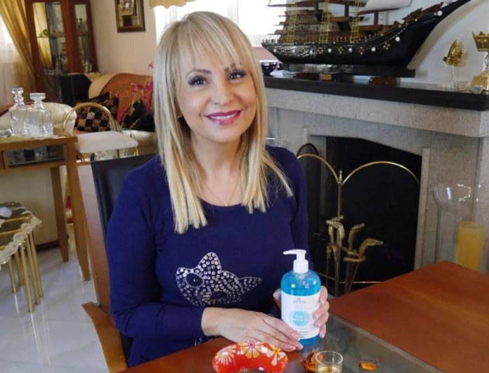 Τέτα Καμπουρέλη: Η πρώτη βραδινή έξοδος μετά τη σύλληψη του συζύγου της