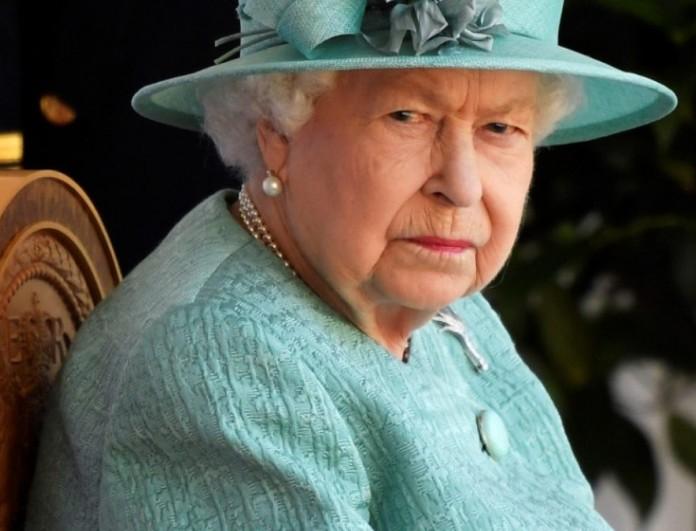 Ταραχή για την Βασίλισσα Ελισάβετ - Άγνωστοι εισέβαλλαν κρυφά στο παλάτι