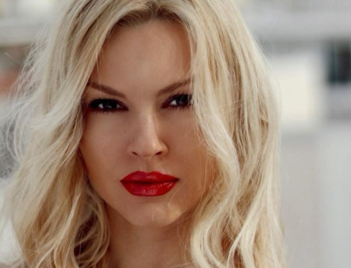 Super Makeover: Η Βίκυ Κάβουρα άλλαξε την εμφάνιση της