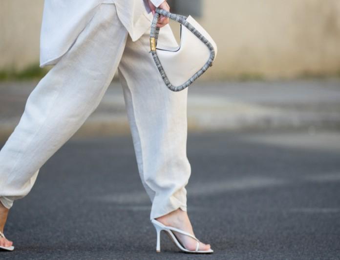Λευκό λινό κοστούμι