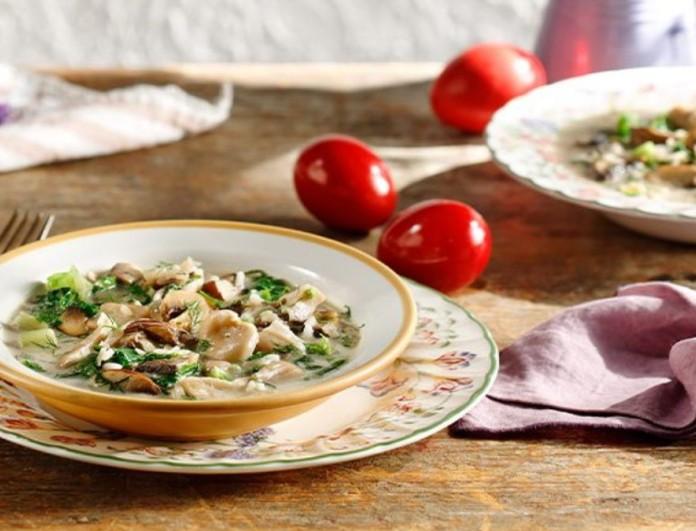 Πεντανόστιμη μαγειρίτσα με μανιτάρια και χόρτα - Έτοιμη σε μισή ωρίτσα