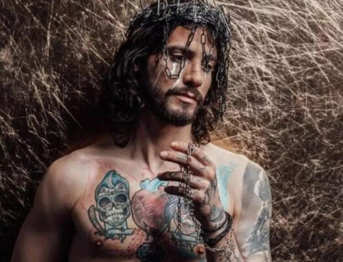 Insta Poll: Η οργή του κόσμου με την φωτογραφία του Ράμμου και την σταύρωση του Χριστού