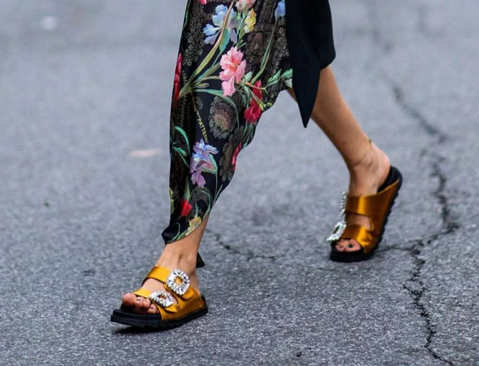 sandals glam street style με φόρεμα