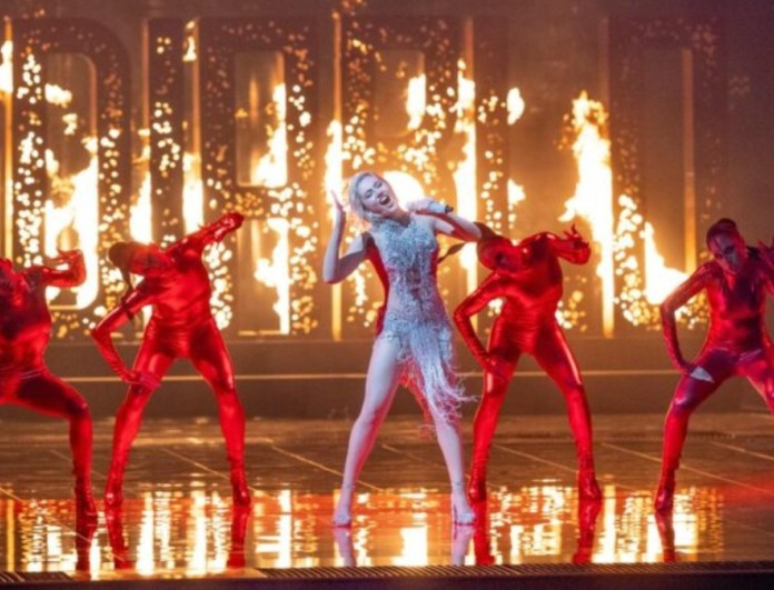 Eurovision 2021: Πήρε φωτιά η σκηνή με την εμφάνιση της Έλενας Τσαγκρινού