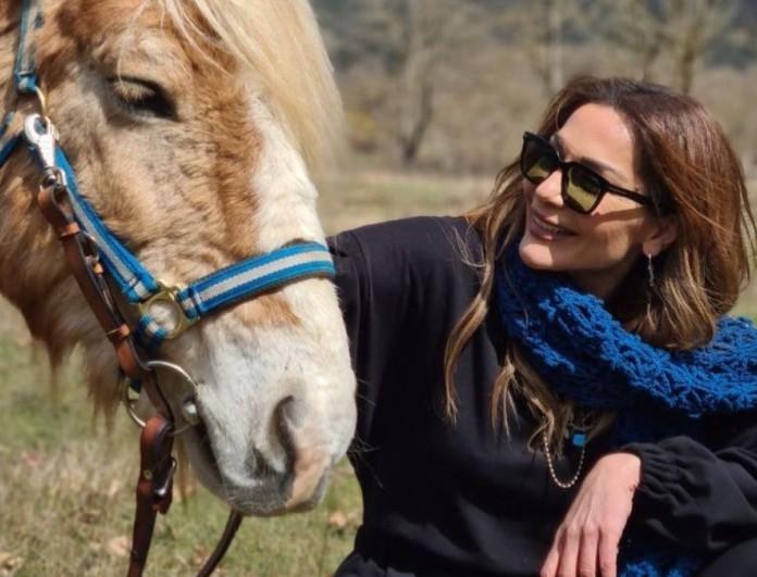 Δέσποινα Βανδή: Ποζάρει με μπικίνι και χωρίς ίχνος ρετούς