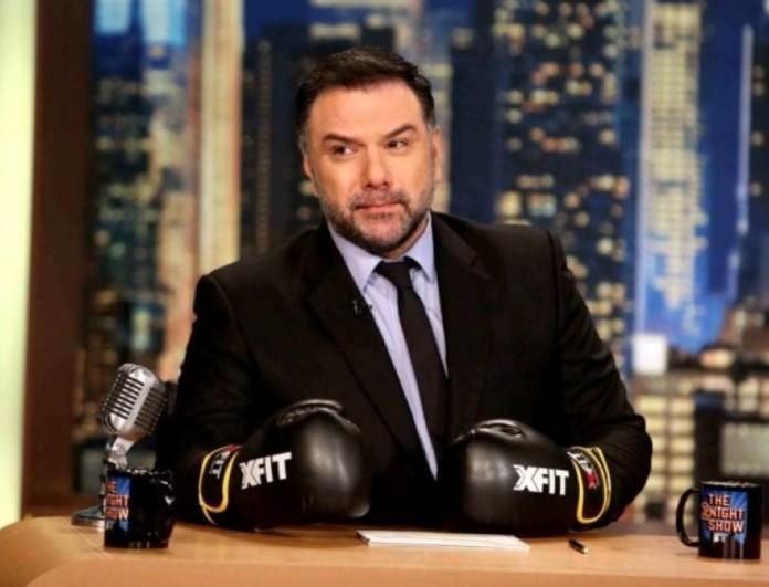 Insta Poll: Θέλετε να δείτε και του χρόνου τον Γρηγόρη Αρναούτογλου με το The 2night Show;