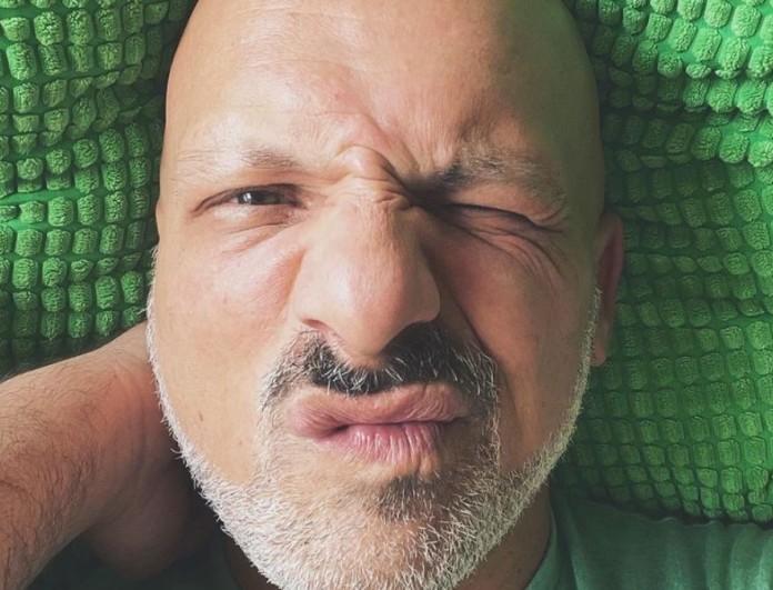Διακοπές για τον Νίκο Μουτσινά και όχι...μοναχικές - Η φωτογραφία με μαγιό