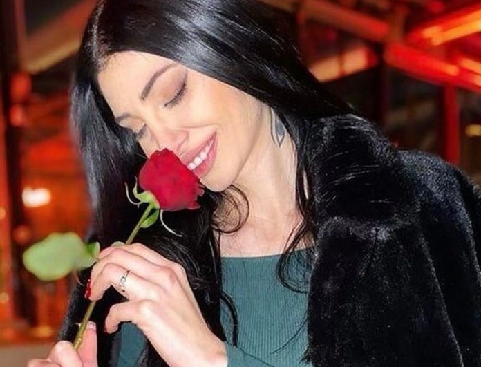 Σία Βοσκανίδου: «Είναι η πρώτη φορά που ξεκινάω να δουλεύω βράδυ σαν τραγουδίστρια με τον Θέμη Αδαμαντίδη»