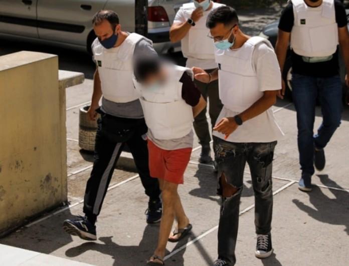 Γυναικοκτονία στη Δάφνη: Μεταφέρεται στον εισαγγελέα ο δολοφόνος της 31χρονης