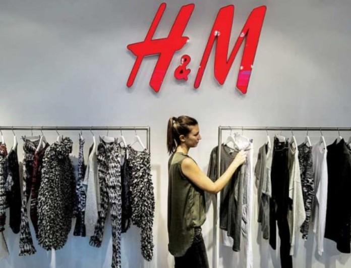 2+1 οικονομικά τζιν από τα H&M που αναδεικνύουν τέλεια την σιλουέτα