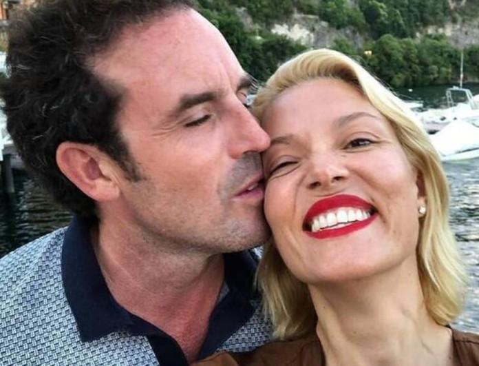 Αδημοσίευτες φωτογραφίες από τον γάμο Καγιά - Κρασσά! Το παθιασμένο φιλί στην κάμερα