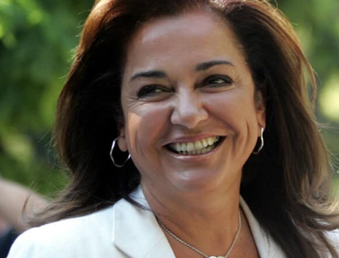 Ντόρα Μπακογιάννη: Οικογενειακές στιγμές μαζί με τα επτά της εγγόνια