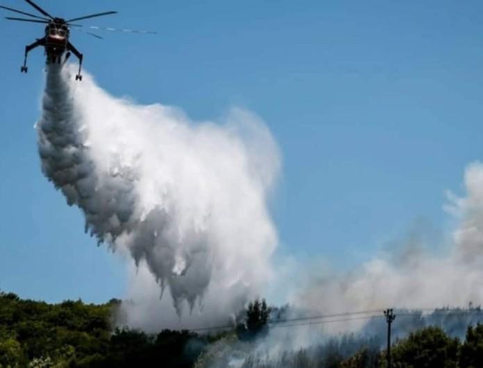 Μεγάλη αναζωπύρωση στον Βαρνάβα - Οι φλόγες απειλούν σπίτια