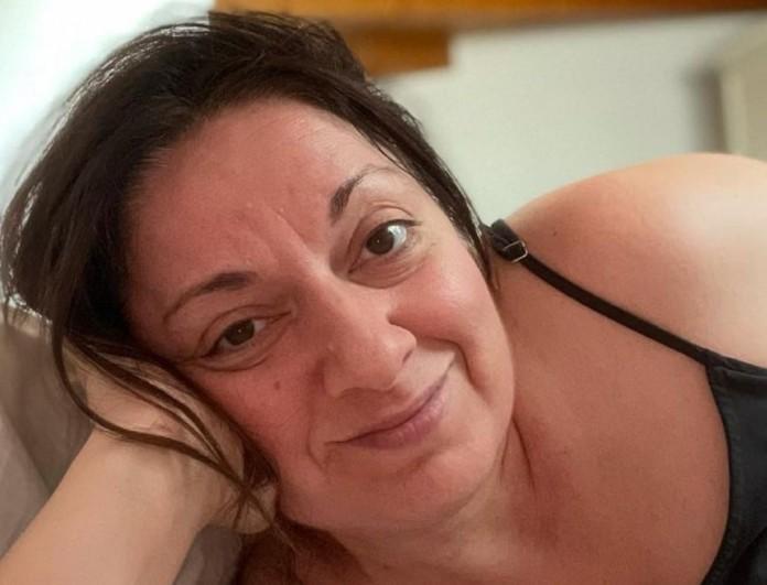 Σοφία Μουτίδου: Ανέβασε φωτογραφία με κατακόκκινο μαγιό πάνω σε σκάφος