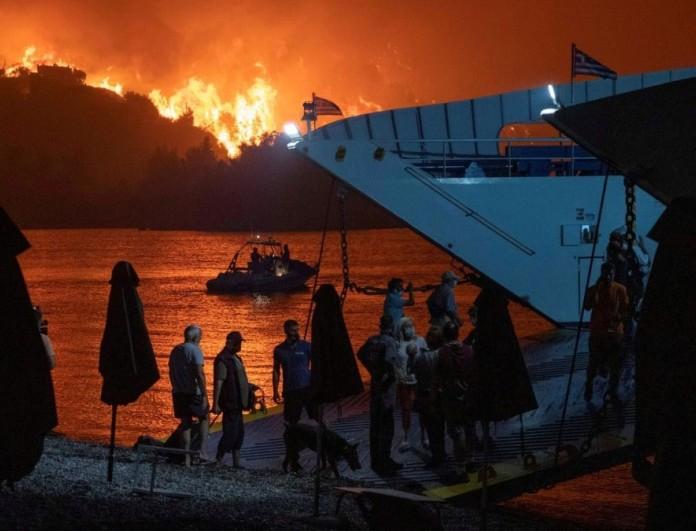 Νέα φωτιά στην Εύβοια - Σπεύδουν και εναέρια μέσα