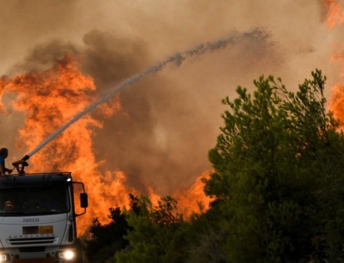 Διαψεύδουν οι Ρουμάνοι πυροσβέστες για τις φωτιές στην Ελλάδα - «Δεν μπορούσε να σβηστεί σε μία μέρα»