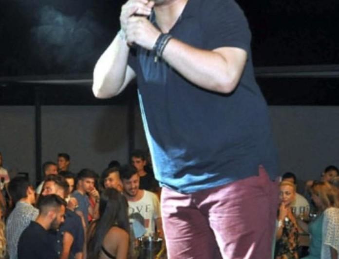 Έλληνας τραγουδιστής θα ανέβει τα σκαλιά της εκκλησίας