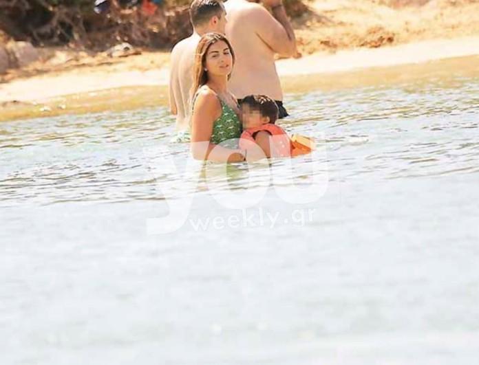 Αποκλειστικές φωτογραφίες της Σταματίνας Τσιμτσιλή από την παραλία - Έτρεχε συνεχώς για τα παιδιά της